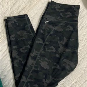 Fabletics camouflage power hold leggings